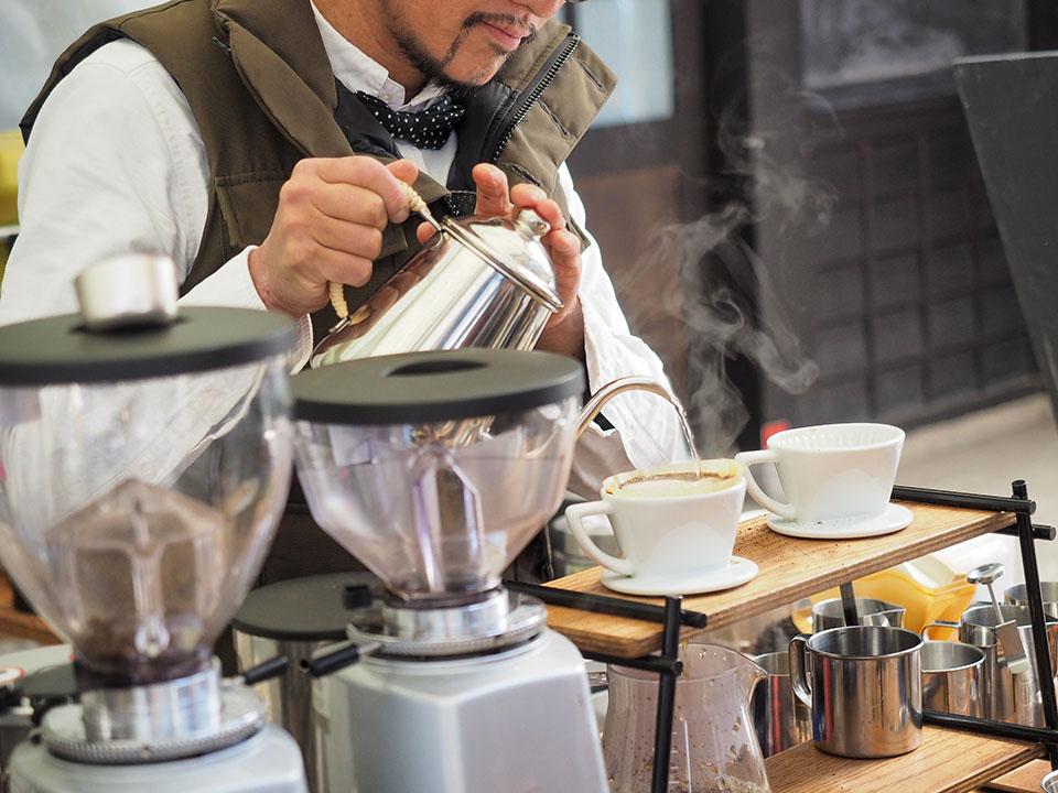 しずく舎のコーヒードリップ